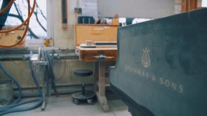 Steinway & Sons ceļš uz Gaismas pili